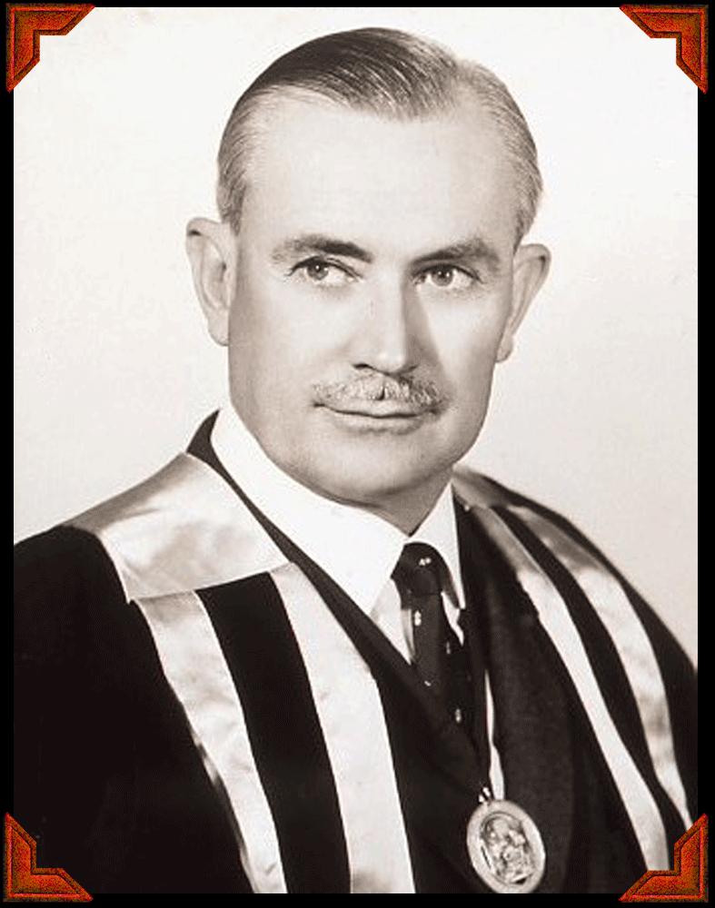 Portrait of Leonard Shea